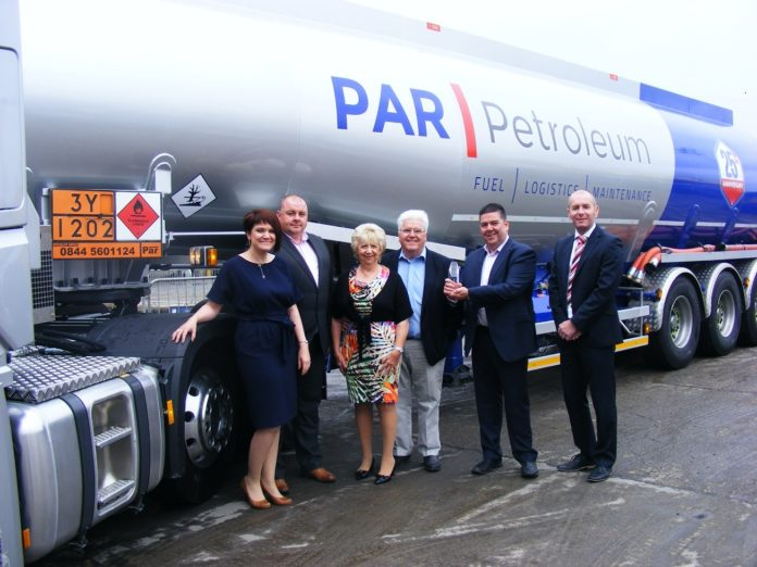 Par Petroleum Awarded Depot of the Year 2016 - ltoR Leanne Hardy, Stuart Hardy, Carol Roy-Toole, Peter Roy-Toole, Simon Roy-Toole and Graham Smerdon of Sponsors QBE Insurance